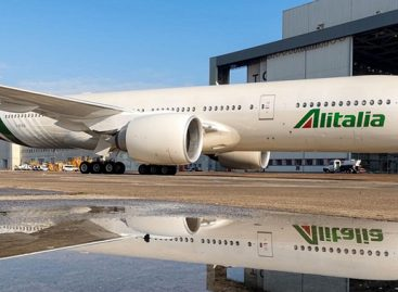 Alitalia, è corsa a sei per la parte aviation