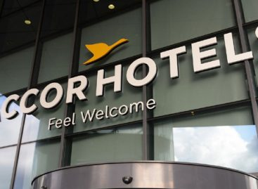 AccorHotels fa shopping in Cile e compra Atton