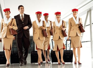 Emirates cerca personale di bordo: cinque open day in Italia