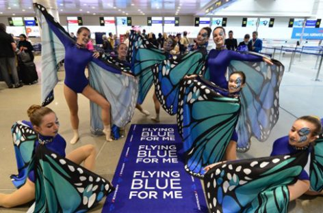 Le farfalle di Air France-Klm: flash mob all'aeroporto di Venezia