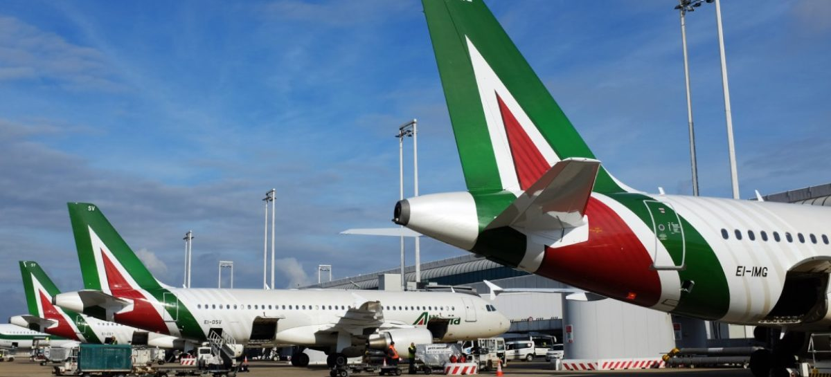 Alitalia, la roadmap che deciderà piano, alleanze e newco